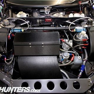 A lot of people were interested in the Opel Vectra we posted the other day. Here's a look under the hood. Engine is mostly hidden by carbon, but we promise it's there! Photo by @thespeedhunters