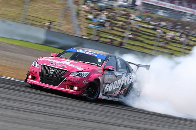 Formula Japan - Does it drift? Fuji Speedway 2015. Crown