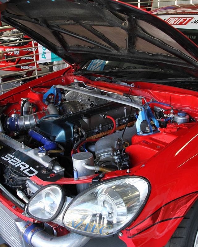 Formula Drift Japan - Under the hood