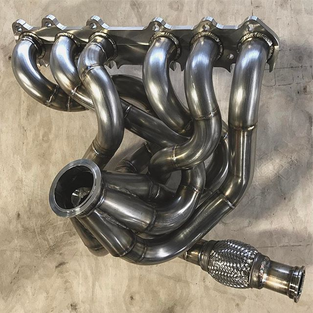 Fresh @namelessperformance SS 2jz manifold for the @gumout @namelessperformance @hankookusa