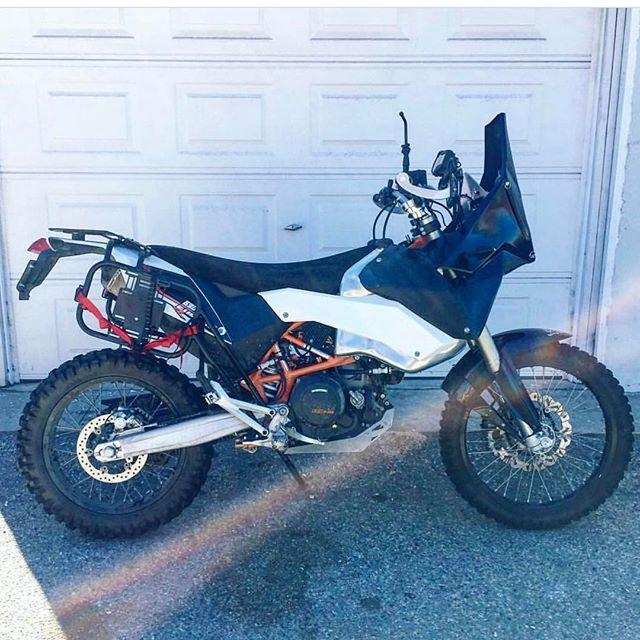 Hey San Antonio. Friends bike was stolen out of his truck last night with most of his belongings. KTM 690, keep your eyes open and help find @brenden_jones's bike!!!