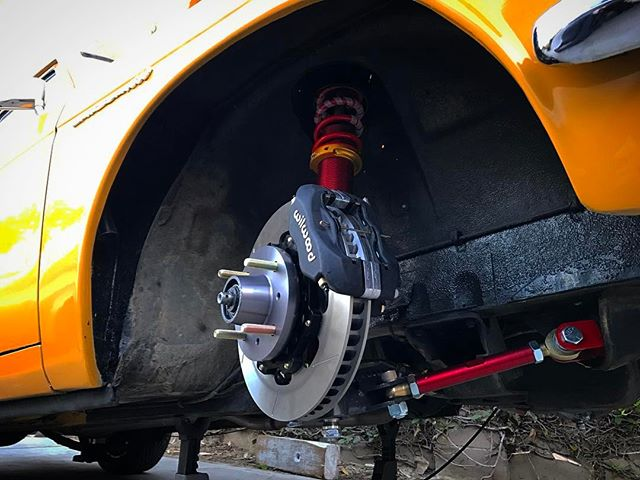 It feels great to pull off all of the old blown out bushings and worn out brakes to install brand new parts! I just finished the install of my full @technotoytuning front suspension with @wilwooddiscbrakes on the 510 wagon and it looks so good! @networka @valvoline @donutmedia