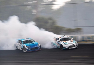 @kengushi : It's been rather quite since my car is somewhere in the middle of the country so here's a throwback to @daiyoshihara and I practicing some tandem at our next stop #FDorlando. Can't wait to be blasting these walls! @toyotaracing @nexentireusa @teamgreddyracing @kw_suspension @blackvueofficial : @larry_chen_foto