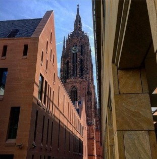Checking out the old and new in Frankfurt today. #professionaltourist #gothic #frankfurtcathedral