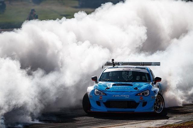 Cutting through the smoke clouds @daiyoshihara @falkentire
