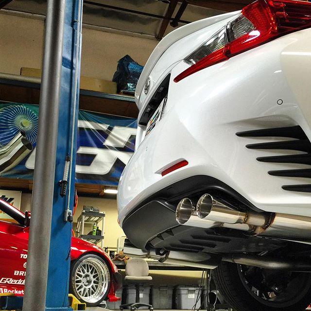 Dual @lexususa RCs The unique quad tip layout for the exhaust