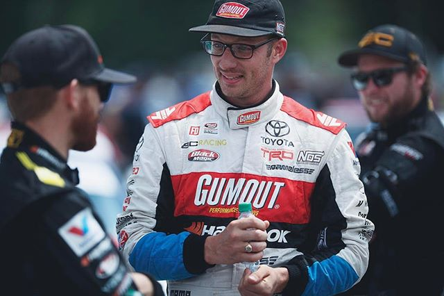 My reaction when finding out @chrisforsberg64 and I actually got hate for helping one of our friends ( @hgkracingteam ) get back on the track to do battle. GET SERIOUS! That's one of the best things about our sport. 🙄