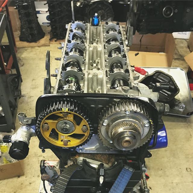 Thanks to @raddandrift and @radjeffdrift over at @rad_industries for knocking out a bunch of work on the engine. The @supertechperformance valvetrain was re-shimmed after two seasons of abuse along with a fresh oil pump and @runbc headgasket.