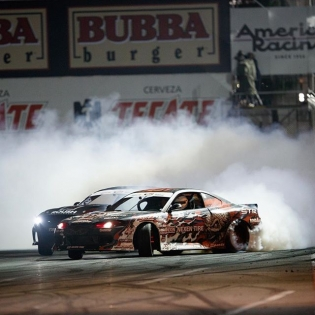 Lay down the smoke screen! @juharintanen @nexentireusa #formulad #formuladrift