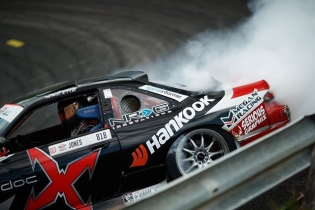The bank! @jeffjonesracing @hankookusaracing #formuladrift #formulad