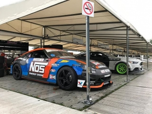 The eagle has landed! My V8 powered @nosenergydrink 370Z was flown in for @fosgoodwood this week! I cannot believe some of the displays at the track. I'll get some photos of them tomorrow!