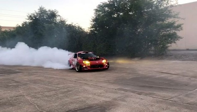 Just watching your bro give a few quick rides in the gnarliest car. @ryantuerck and the GT4586 killing it as usual! #smokeemifyagotem