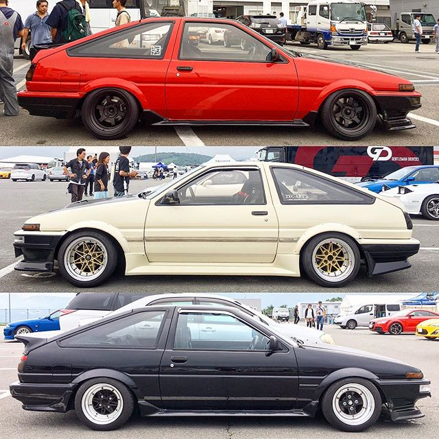 Some Corollas that aren't white from the Fuji 86 Style show today. The middle one is cream, so it's legit.