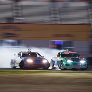 Charging through! @jcastroracing @odidrift #fdtx #formulad #formuladrift