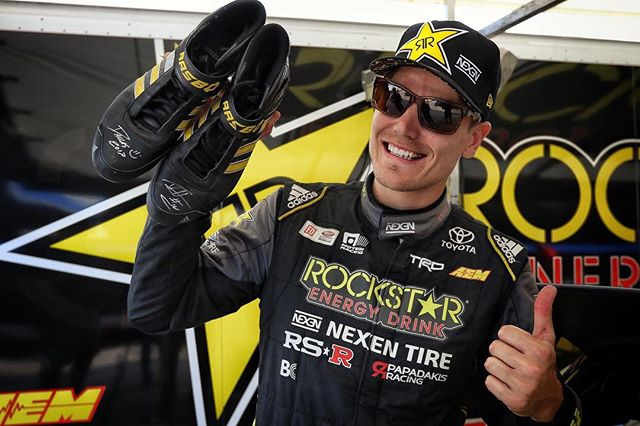 Hey everyone @fredricaasbo is giving away a pair of signed Adidas shoes. Check out the AEM booth at 6PM for a chance to win!