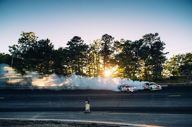 When the light is just right #formuladrift@larry_chen_foto
