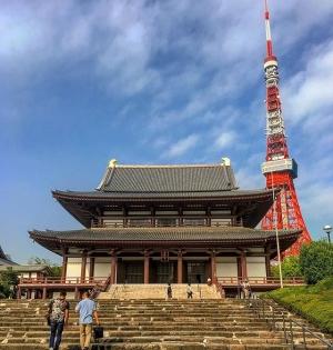 Zōjō-ji Buddhist temple & Tokyo Tower. #tokyo #japan #morningrun