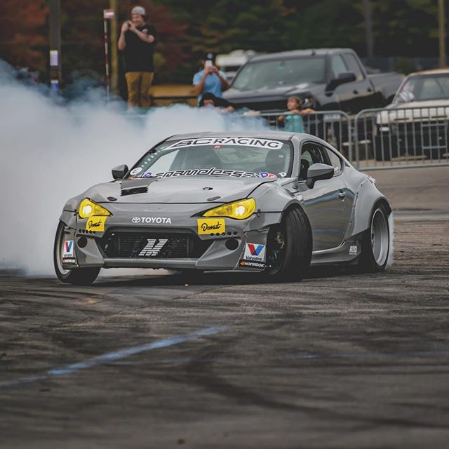 Who's coming out to @lockcitydrift_ this weekend at @thompsonspeedway? I'll be there in the with all my warm weather gear on haha. It's gonna be a cold one ️️️ @driftfaction 📸 @robchuladaphotography
