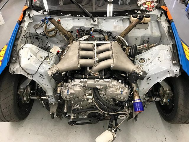 My twin turbo @nissan VQ engine is ready to come out so that we can continue refreshing this chassis! Really enjoying getting dirty with this beast.