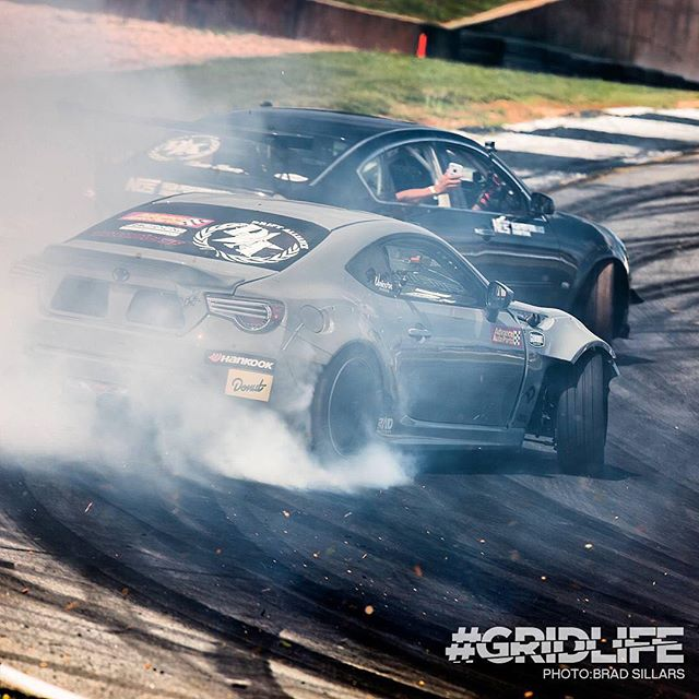 Party car shred sesh at @gridlifeofficial with @ryantuerck and some lucky passengers! Who wants a ride!?