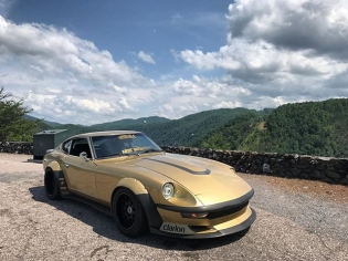 @ivyfilms put together this video of me driving my favorite street car I have ever owned... my 1975 Datsun 280Z with a 500hp Skyline RB25DET engine. We cruised up and down the Tail of the Dragon, one of the most beautiful drives in the country! : LINK IN PROFILE