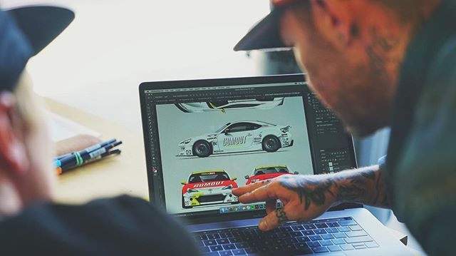 @ornamentalconifer and @yaer_one getting busy on more potential 2018 livery designs. It's always cool watching these guys go through their creative process and seeing the livery come together step by step.  @race.service @gumout 📸 @zarkhan