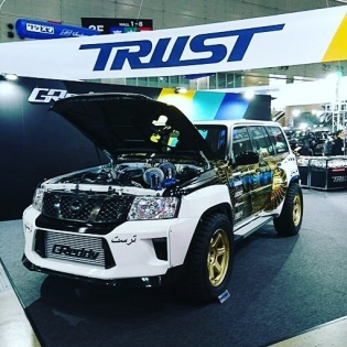 Another cool shot of the Twin T88H-38GK Nissan Patrol at last weekend's @TRUST.GReddy #tokyoautosalon booth.