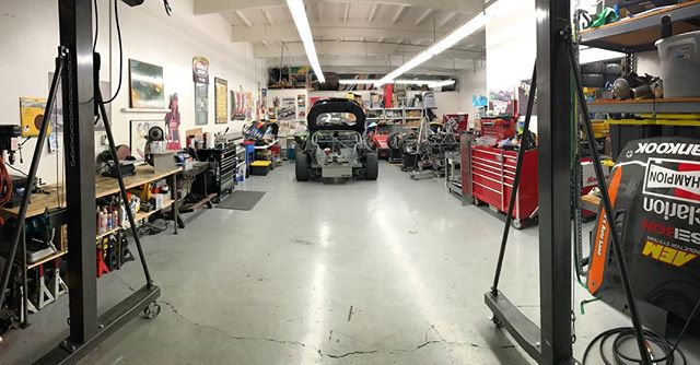Did a full round of clean up and organization at my buddies shop tonight to give us some more space for fabricating. Some elbow room goes a long way for stress levels which will then allow you to work better and more efficient to create the best machine that you can.