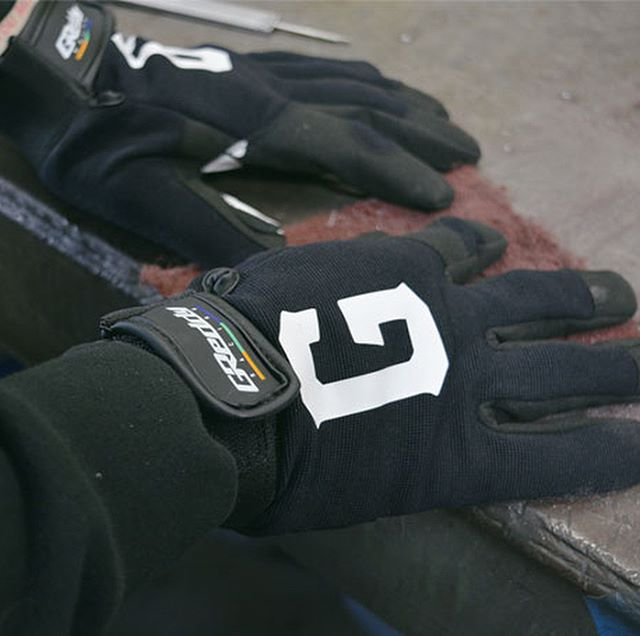 "GReddy Racing ""G"" mechanic's work Gloves also available in black on #ShopGReddy.com. . Size Large fits most, XL for larger hands . @teamgreddyracing @boost_brigade"
