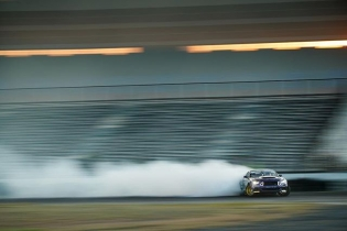 What do you think @chelseadenofa was thinking of during this drift? Best caption wins. #formulad #formuladrift