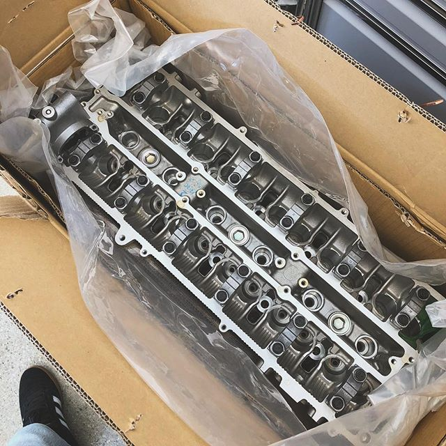 @toyotaracing Vvti head straight from Japan🤘🏼 off to @ocdworks for the treatment and @supertechperformance valvetrain! @toyotausa