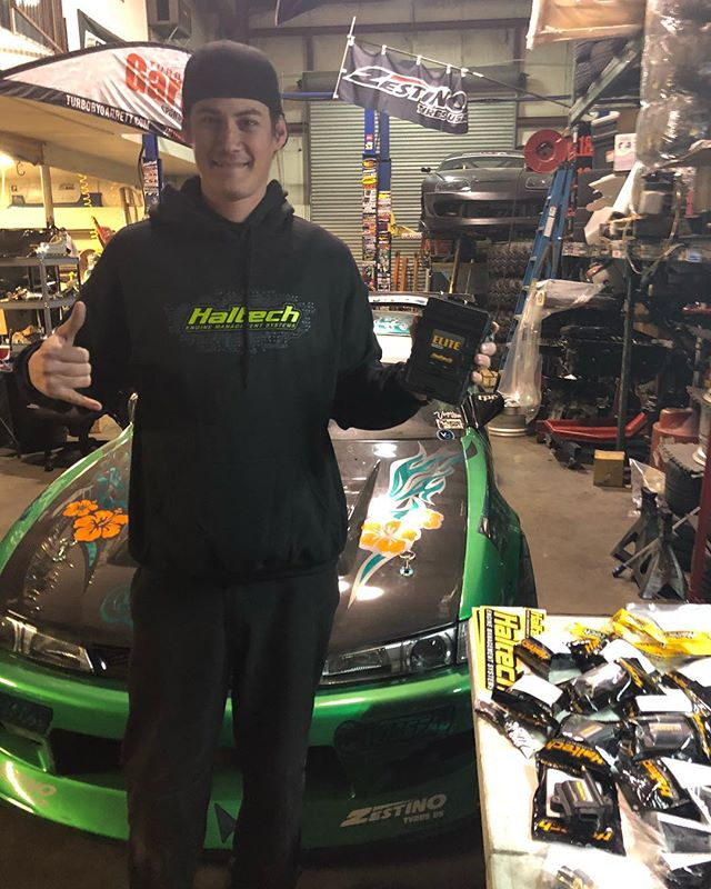 happy to shout out the newest addition to @forrestwang808's list of sponsors for @formulad 2018 Pro1 season, @haltechecu. Haltech specializes in engine management systems including products that are compatible with Nissan, Ford, Yahama, Subaru, Toyota, and many more. make sure to show some support and give em a follow!