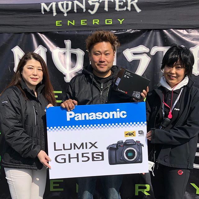 Panasonic さんから新製品品薄の最高峰機種 LUMIX GH5Sをプレゼントして頂きました!  コルベット修復中です。 明日、走れるかな?