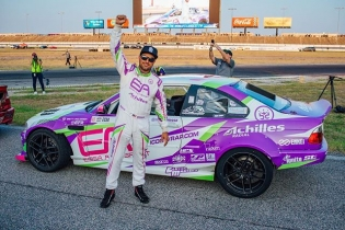 EA-t Donuts with @michaelessa | @achillestire tomorrow at DONUT DAY! FREE Event & Parking | March 3rd 12-2PM | Long Beach Convention. Free #FDXV Posters | Stickers | Donuts | Pro Driver Appearances! Purchase your FD Tickets with No Ticket Master Fees! If you buy a Saturday ticket, we will give you a FREE Friday ticket! Register Here: bit.ly/FDDonutDay2018 (link in bio) #FormulaDRIFT #FormulaD #FDLB