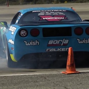 I tried my best not to repost this so the @donutmedia big reveal could be more impactful, but I just couldn't do it. Here's a bit of our first test session from @driftcentral_official filmed and edited by @heatwavevisual Enjoy the craziness of the Corvette, I sure did.