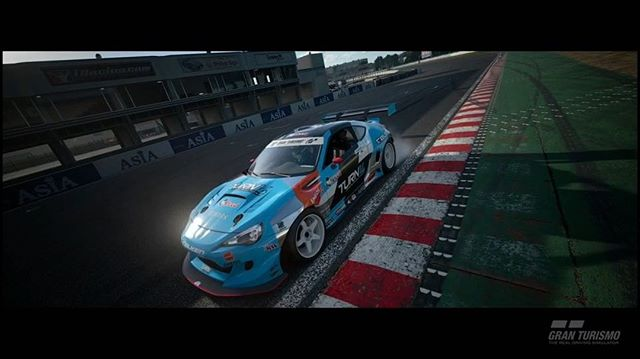 Now you can drive my 2018 Spec BRZ with new livery before I do! Check out @anewaesthetic taking her out for a spin at Tsukuba Circuit in @thegranturismo. You can download the new livery for in my Bio