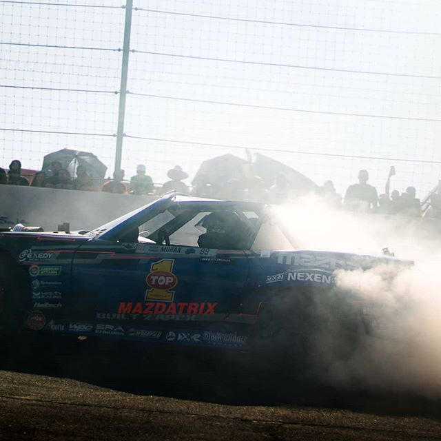Who's looking forward to 2018!  I love #Vegas, hopfuly we still get to burn rubber there too!  @built2apex @americanethanol @growthenergy @top1oil @exedyusa @driftillustrated #evolvedinjection @drinkdoc @blackwidowexhaust