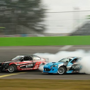 The Action Heats up tomorrow at @AdvanceAutoParts RD2: Scorched Presented by Fast Orange by @permatexusa in Orlando, FL on April 27-28. @AlexHeilbrunn | @NittoTire vs @DaiYoshihara | @FalkenTire Tickets: Link in Bio Live Stream: formulad.com/live #FormulaDRIFT #FormulaD #FDXV #FDORL