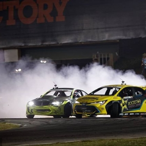 Comin' for that number one spot! @hgkracingteam | @achillestire vs. @fredricaasbo | @nexentireusa NAPA Auto Parts RD3: Road to the Championship presented by @officialrainx #FormulaDRIFT #FormulaD #FDXV #FDATL