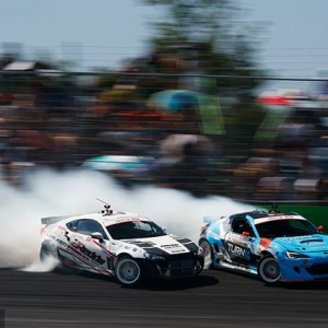 Keep Your Friends in Close Proximity. @FalkenTire Friends - @kengushi   @daiyoshihara Catch them in action next weekend at NAPA Auto Parts RD3: Road to the Championship presented by @officialrainx in Atlanta, GA -May 11-12. Tickets: link in bio #FormulaDRIFT #FormulaD #FDXV #FDATL