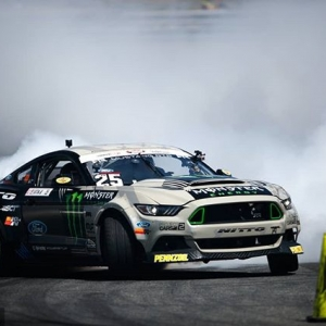 No cones were harmed in the making of this photo @vaughngittinjr | @nittotire | @mustangrtr We'll see you at @advanceautoparts RD4: The Gauntlet presented by @blackmagicshine in Wall, NJ on June 1-2. Tickets link in our bio. #FormulaDRIFT #FormulaD #FDXV #FDNJ