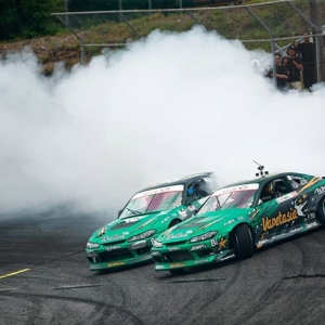 @forrestwang808 battling against his old car piloted by @deankarnage. Now we've seen it all. #fdnj #formuladrift #formulad #fdxv 📸 @larry_chen_foto