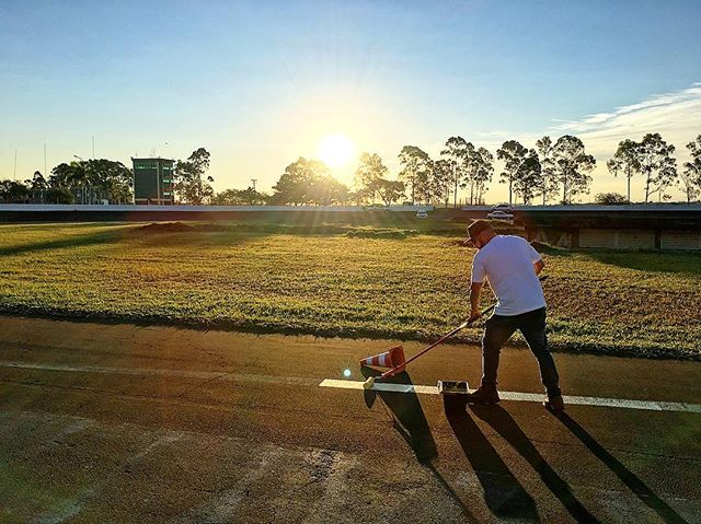 Track painter in training at the Ayrton Senna Autodromo in Londrina, Brazil. @drfernandocastro is getting down and dirty for @superdriftbrasiloficial Round 2 this weekend!