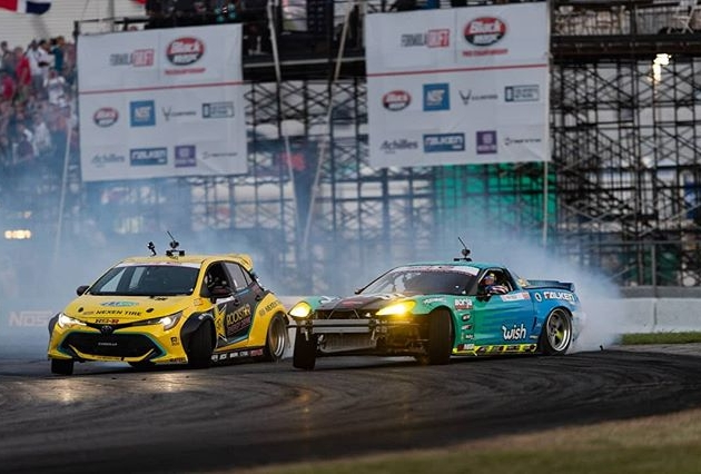 @fredricaasbo takes the win here in St. Louis after @mattfield777 makes a mistake on his follow run! @chelseadenofa rounds out the podium in third. . #fdxv #fdstl #formuladrift #formulad Photos by @larry_chen_foto