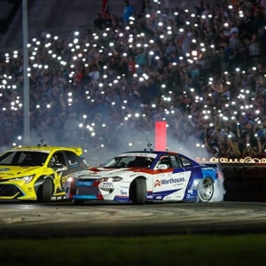 A great moment from the top 4 battle with @fredricaasbo and @jamesdeane130. The crowd helped light the way. #fdxv #fdtx #formulad 📸@larry_chen_foto