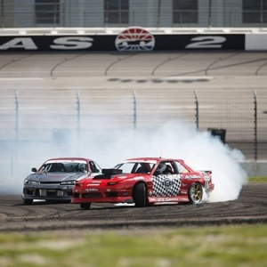 Pro 2's final battle resumed today. @travisreeder came out on top to win here in Texas! @denton_motorsport finished second with @dylanhughes129 rounding out the podium. . #formuladrift #formulad #fdxv #fdtx Photos by @larry_chen_foto @lusciousy