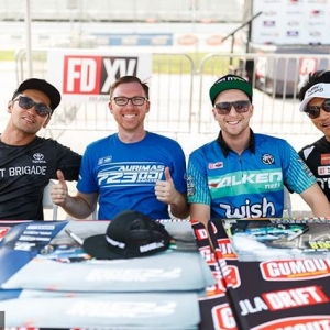 Tag the homie you can't wait to see this weekend @falkentire | @kengushi @odidrift @mattfield777 @daiyoshihara Let's hang out at @autozone RD7: SHOWDOWN presented by @OfficialRainX in Fort Worth, TX on Sept. 14-15. Tickets: (link in bio) #FormulaDRIFT #FormulaD #FDXV #FDTX