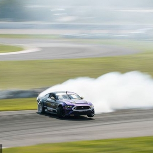 Your first emoji is your reaction to this drift by @chelseadenofa | @nittotire. Drop it in the COMMENTS below! See you at @autozone RD7: SHOWDOWN presented by @OfficialRainX in Fort Worth, TX on Sept. 14-15. Tickets: http://bit.ly/FDTX2018 #FormulaDRIFT #FormulaD #FDXV #FDTX