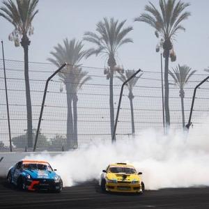 California Dreamin' here at Irwindale Speedway. . #fdirw #fdxv #formuladrift #formulad Photo by @larry_chen_foto