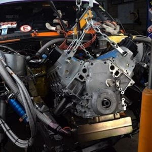 Andy Hateley @hateleydrift pulls out his engine so it can go to Custom Performance Racing Engines @cprengines for a rebuild #drifting #drift #formulad #formuladrift #AndyHateley #CustomPerformanceRacingEngines #magnusonsuperchargers #e30 #v8